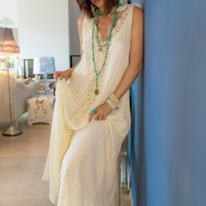 Marie K bague, bracelets Blow, collier T'as vu la vierge, robe Amenapih