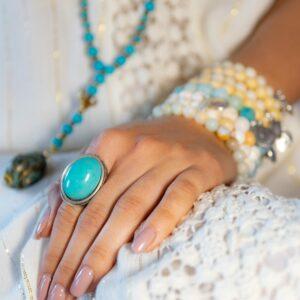 Marie K bague, bracelet Blow, Collier T'as vu la vierge